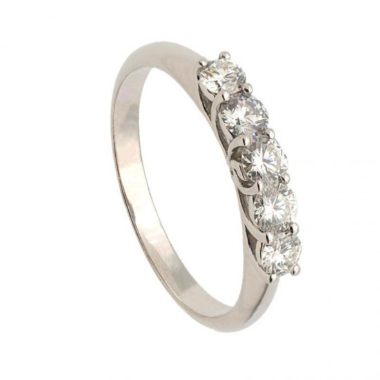 Media alianza en oro blanco con cinco diamantes en garras